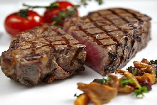 tost-makinesinde-biftek-tarifi