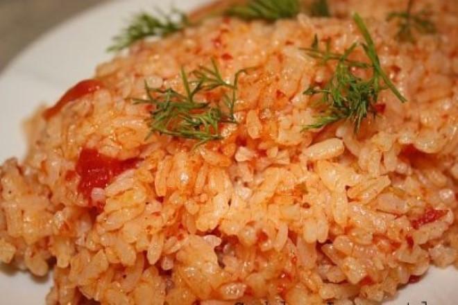 domatesli-pirinc-pilavi-tarifi
