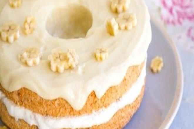muzlu-beyaz-cikolatali-kek