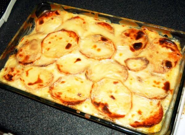 besamel-soslu-patates-oturtma-tarifi