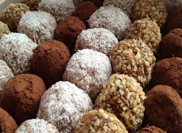 kakaolu-biskuvi-toplari-yapimi-1