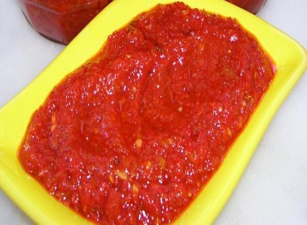 kirmizi-biberli-sos-tarifi