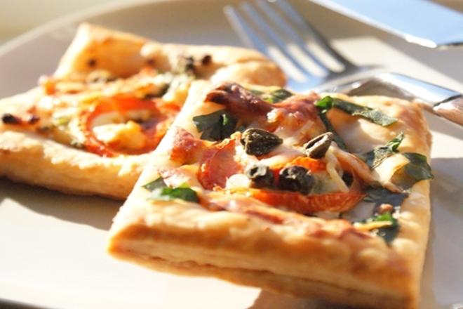 Milföy Hamurundan Mini Pizza Tarifi 1