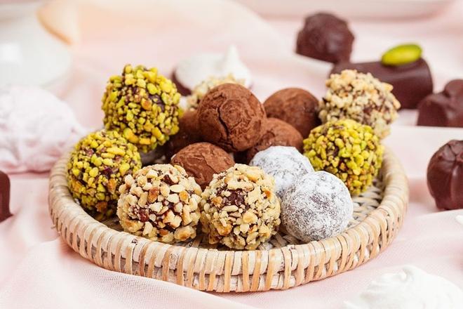 Fındıklı Çıtır Çikolata Topları Yapımı