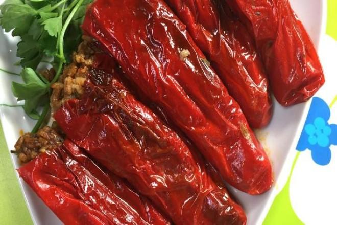 Zeytinyağlı Kırmızı Biber Dolması 1